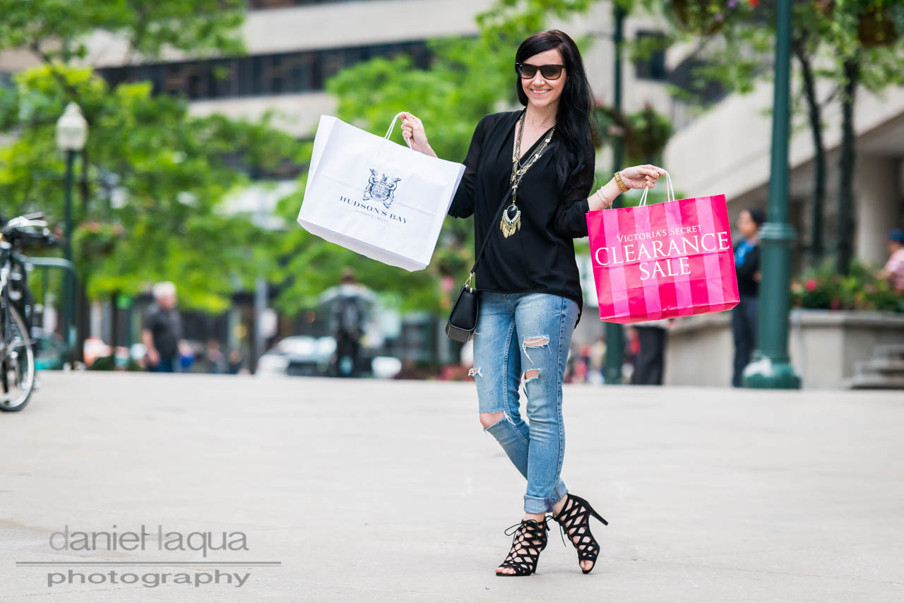 Sightseeing my way : shopping in Toronto