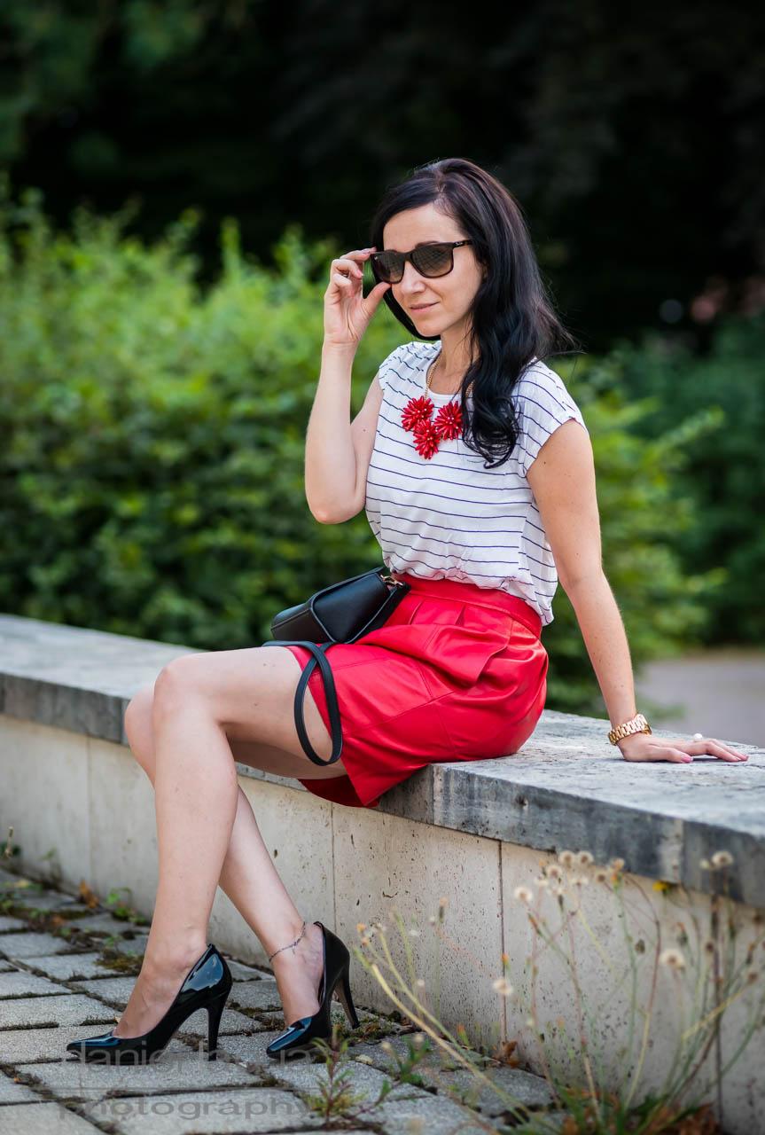 The red collection part 2 : heute der rote Lederrock - Julies Dresscode