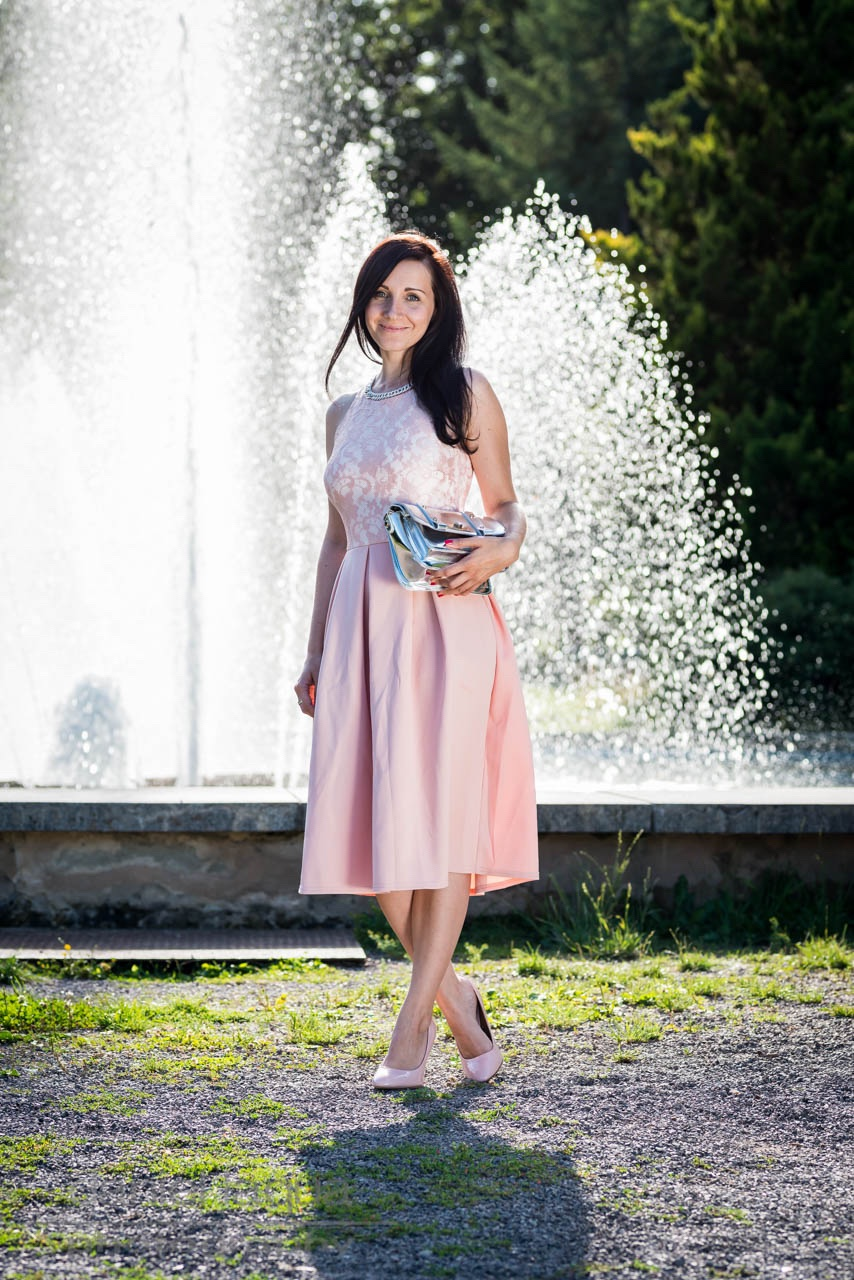 Ein sicherer Hafen : maid of honor in Asos petite - Julies Dresscode