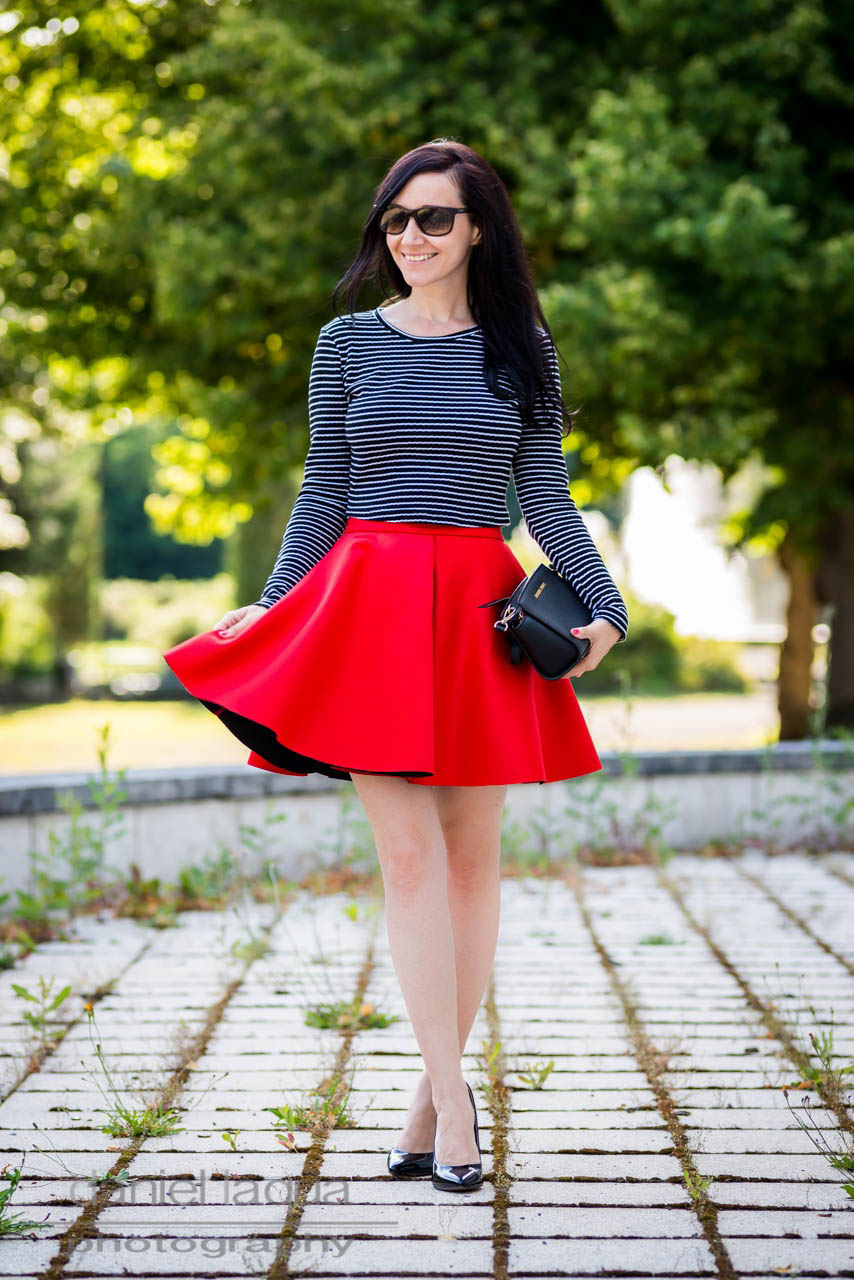The red collection : today a scuba skirt - Julies Dresscode