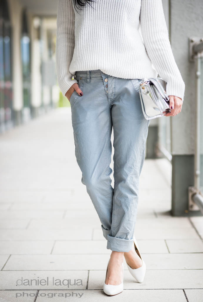 Casual but nice : Jeans im Metallic-Look