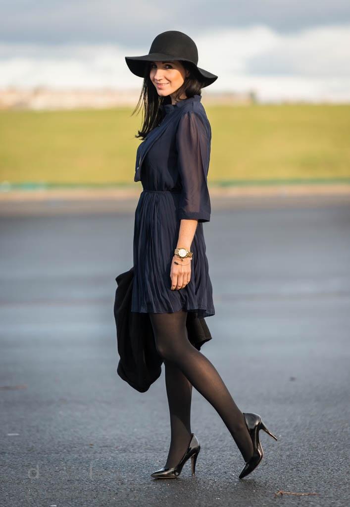 Classy in blue and black : ein Kleid für Weihnachten