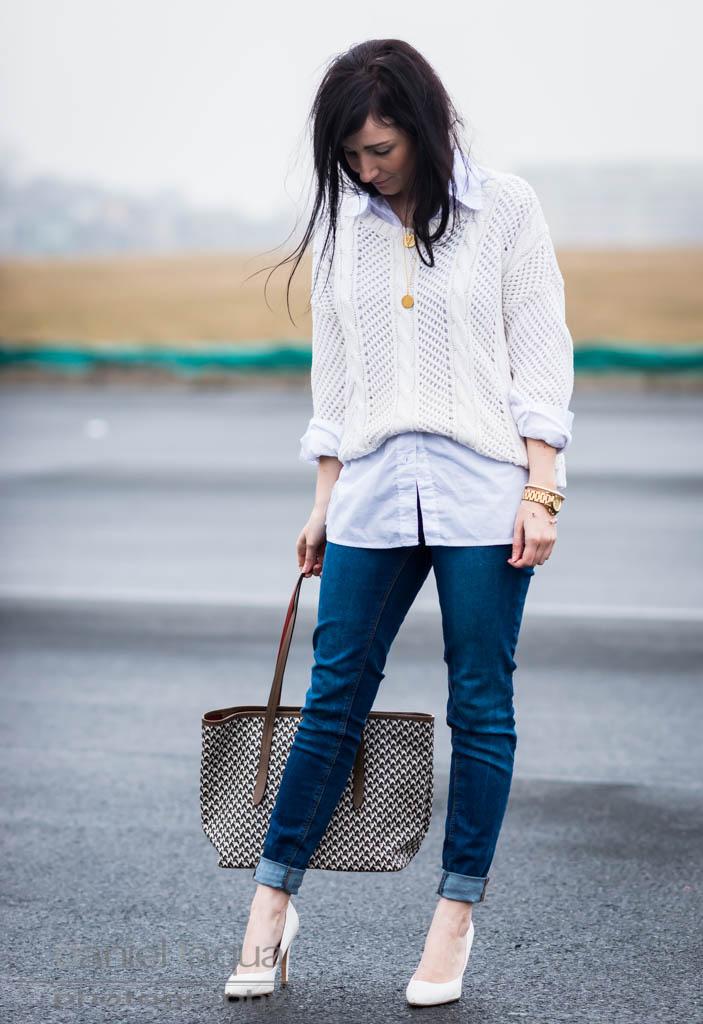 d490ed27779db3 Pullover über Bluse : ein Frühlingskompromiss - Julies Dresscode