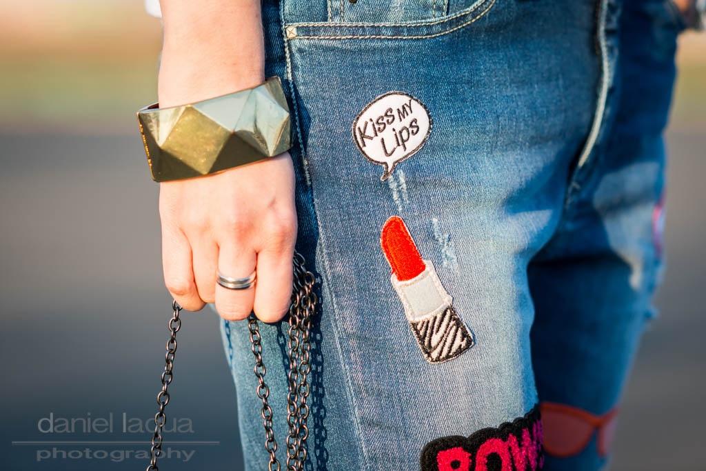 Schockverliebt : Jeans mit Patches und Glitzertasche - Julies Dresscode