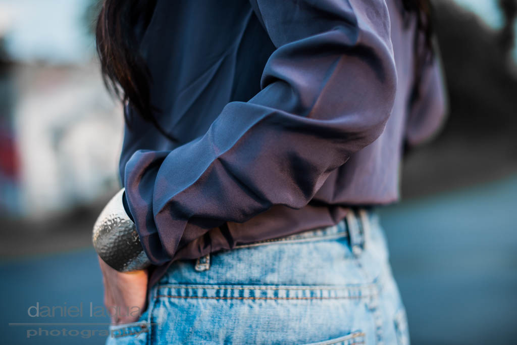 Dresscode of the day : Bluse von REVEL und Denim Shorts