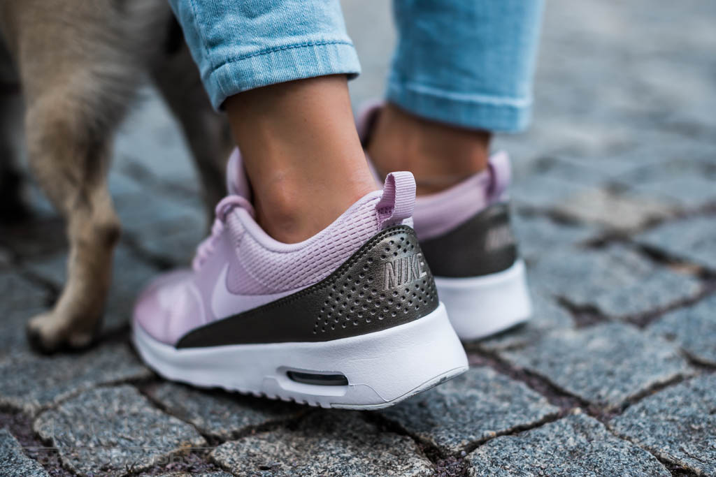 Trend piece sneaker : Nike Air Max Thea