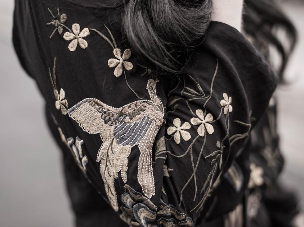 Dresscode of the day : Kleid mit Stickereien von Revel