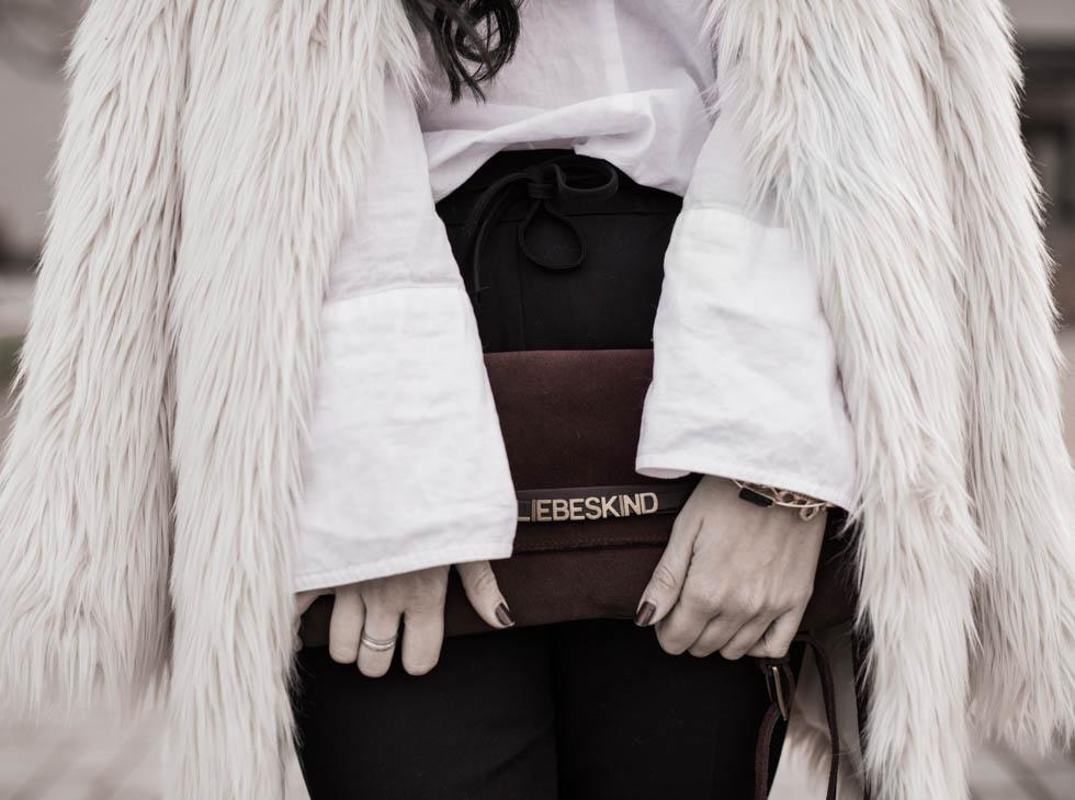 Key Piece : Fake Fur Mantel Julies Dresscode
