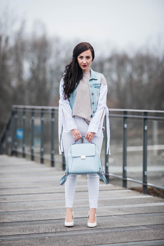 Light blue & neutrals : Outfit mit Zara Pullover & Rucksack Julies Dresscode