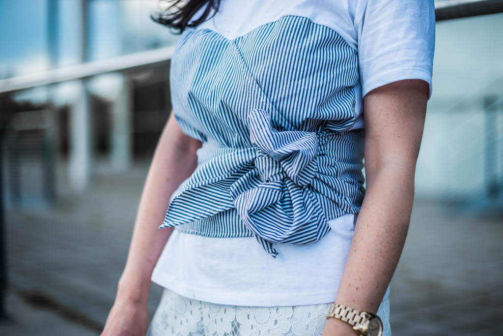 Sommer Outfit mit Shirt im Layering Look Julies Dresscode Fashion Blog