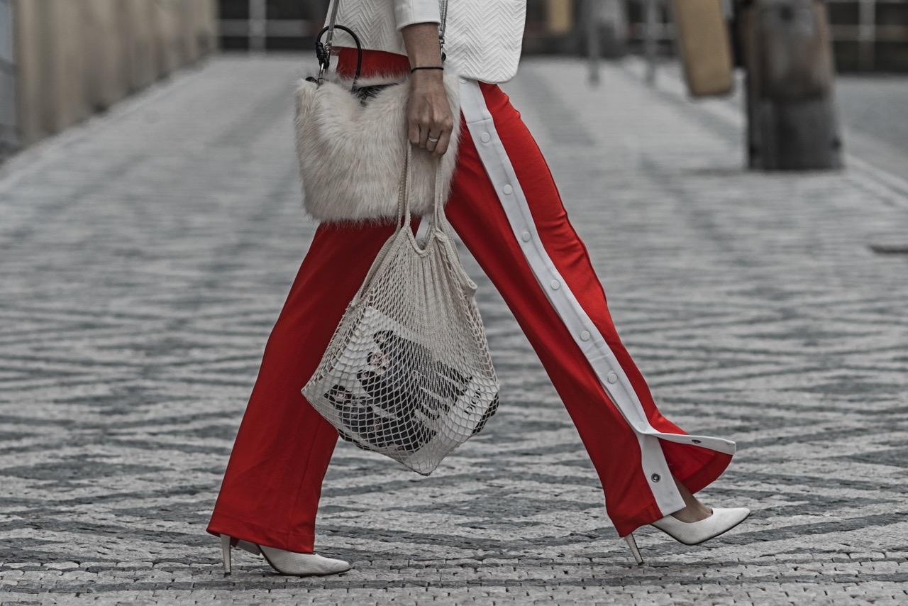 Trackpants Trend wie du Trackpants am besten trägst Julies Dresscode Fashion Blog
