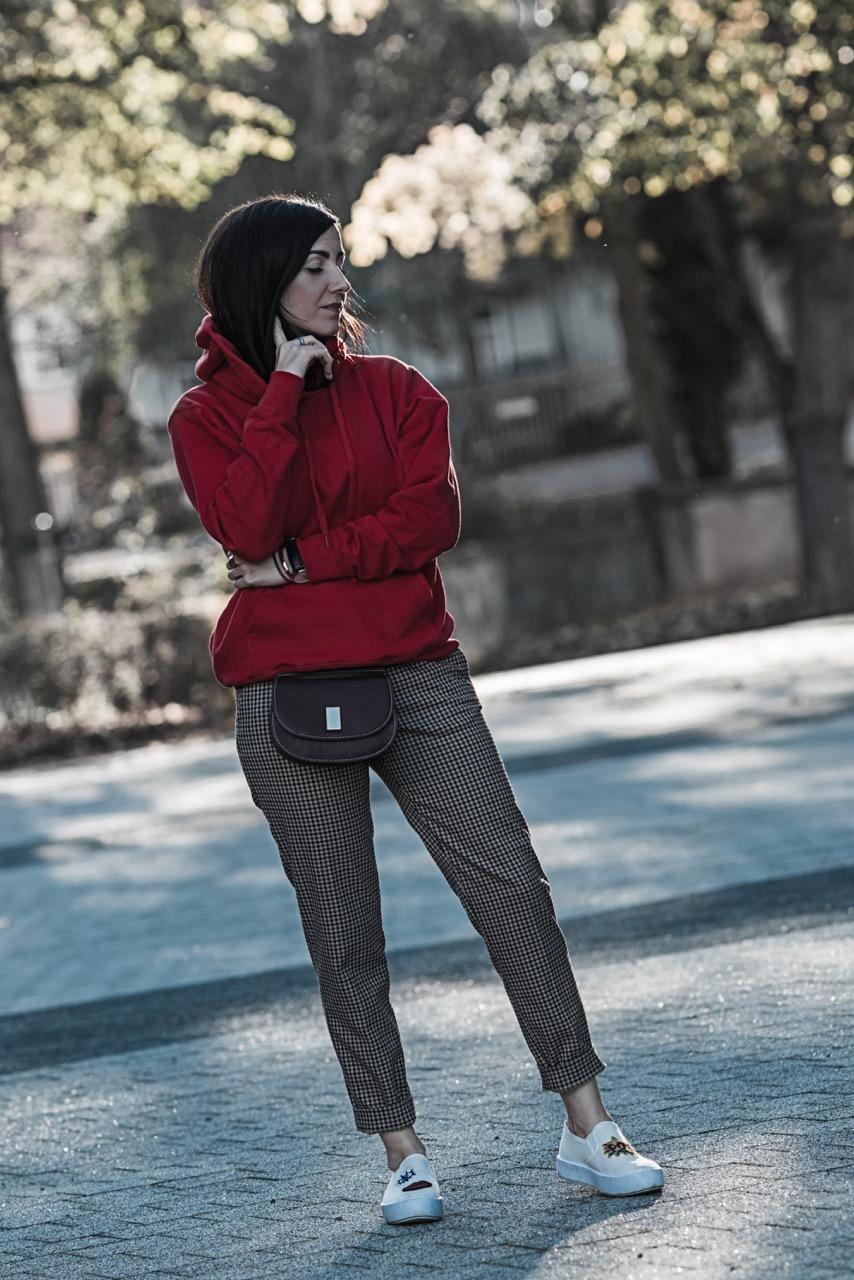Powerkombi für den Herbst Trendfarbe Rot und Karos Julies Dresscode Fashion BlogPowerkombi für den Herbst Trendfarbe Rot und Karos Julies Dresscode Fashion Blog