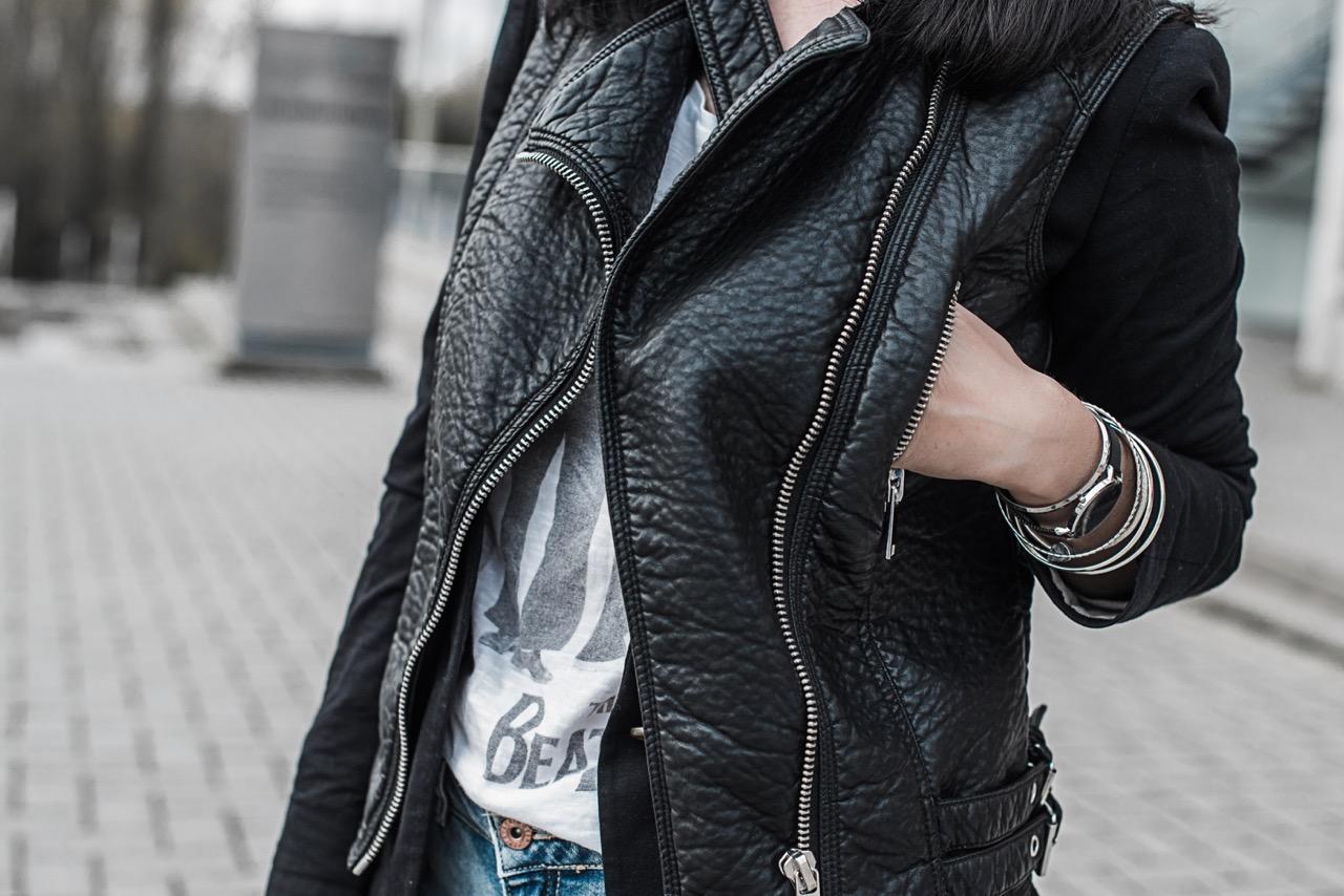 Outfit Weste im Biker Style <br> & Classic Petite von Daniel Wellington