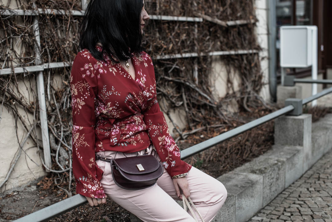 Color Blocking Outfit <br> Rot und Rosa kombiniert