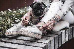 Outfit mit Espadrilles mit Plateausohle und weißer Perlenjeans Julies Dresscode Fashion Blog