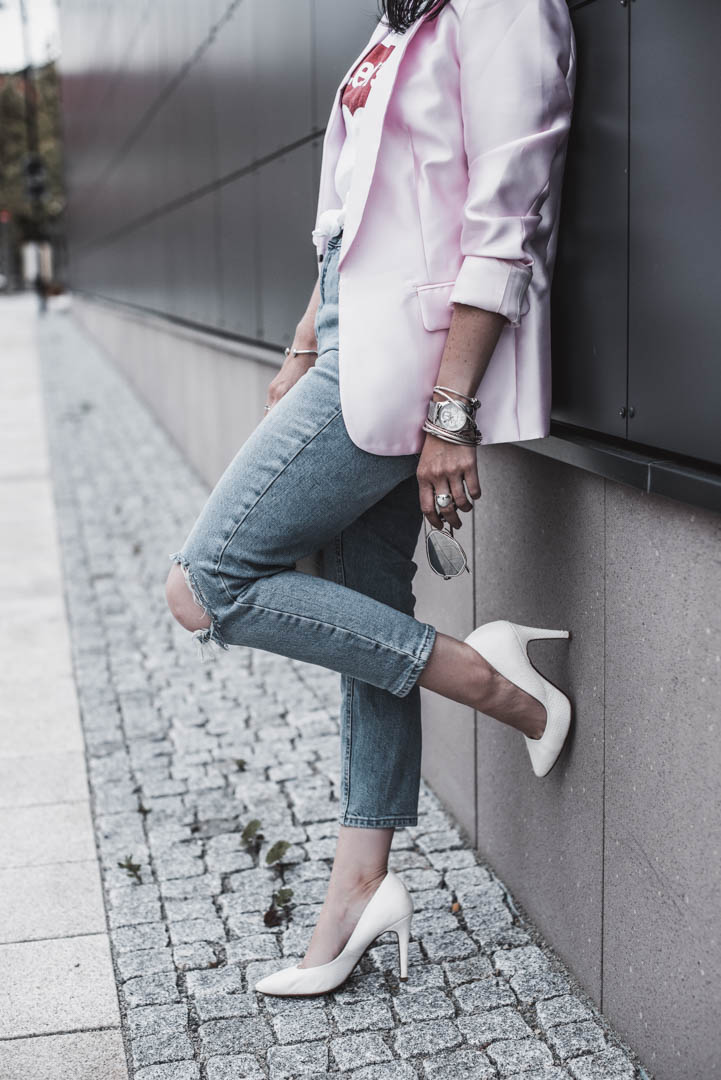 Casual Outfit mit elegantem Blazer - so funktioniert Downdressing Julies Dresscode Fashion & Lifestyle Blog