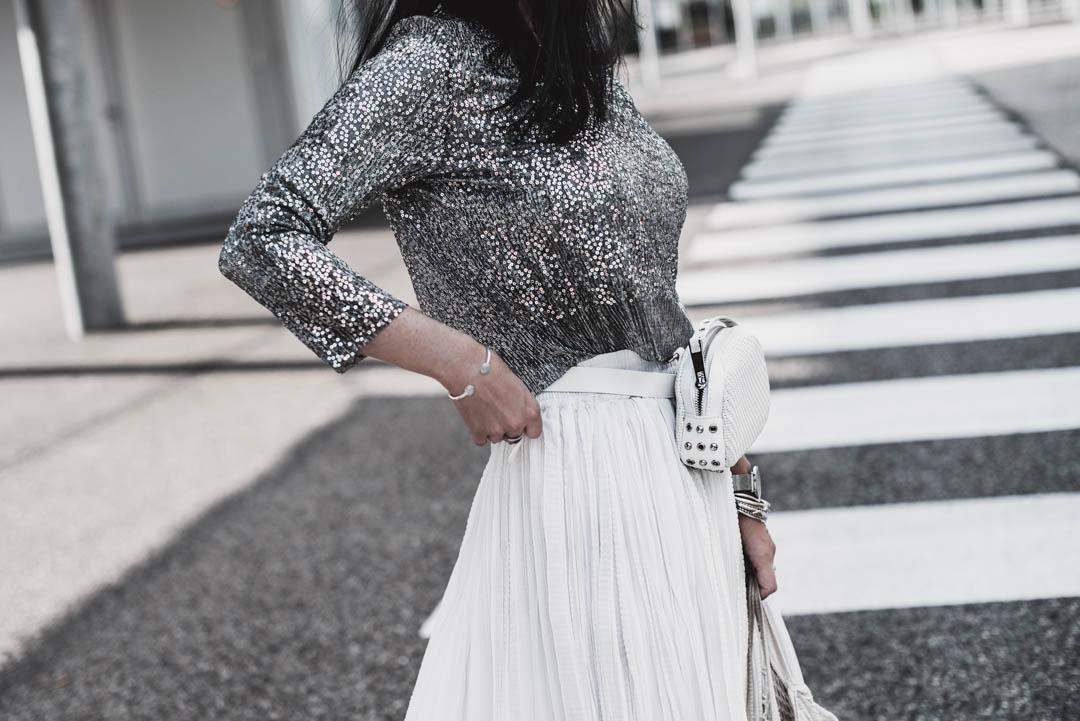 Pailletten im Alltag tragen? So gelingt der casual Glitzer-Look Julies Dresscode Fashion & Lifestyle Blog