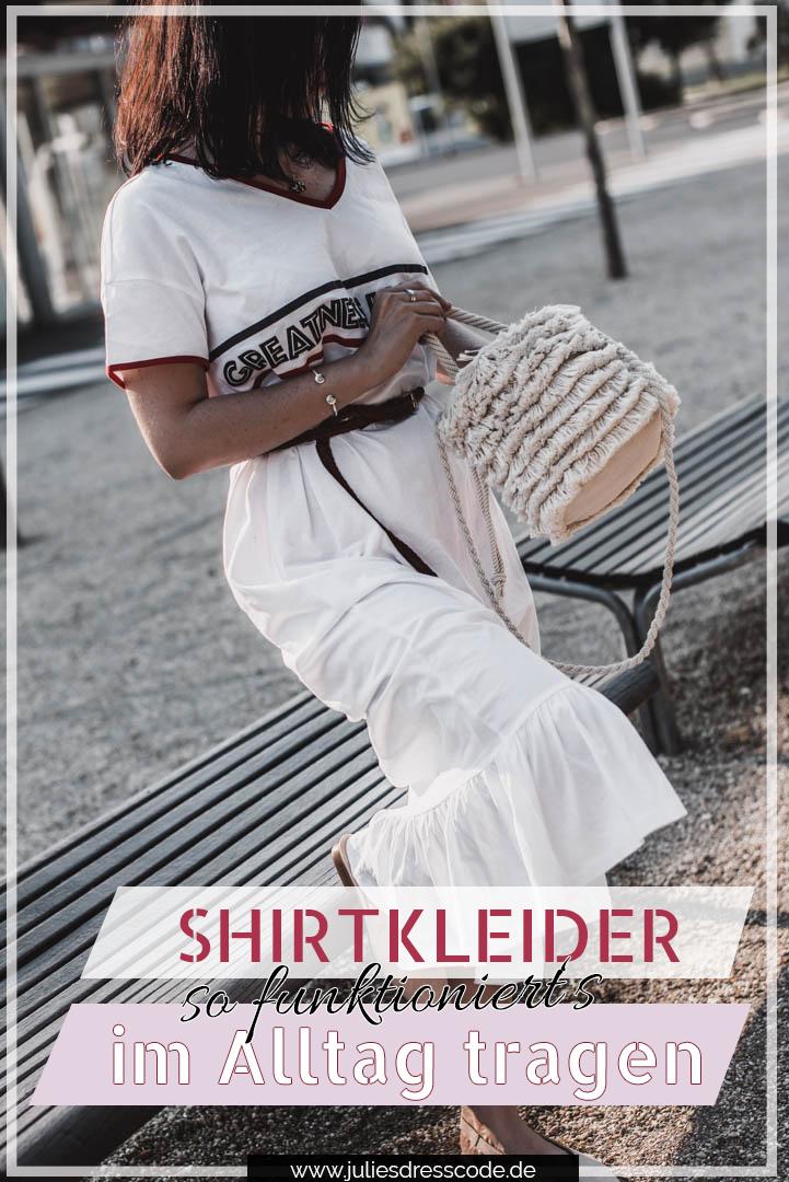 Sportliches Shirtkleid kombiniert mit fransiger Boho-Tasche Julie Dresscode Fashion & Lifestyle Blog