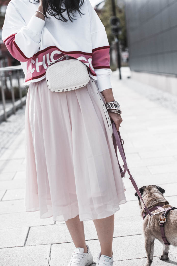 Go To Look für den Spätsommer mit Midirock und Pullover Julies Dresscode Fashion & Lifestyle Blog