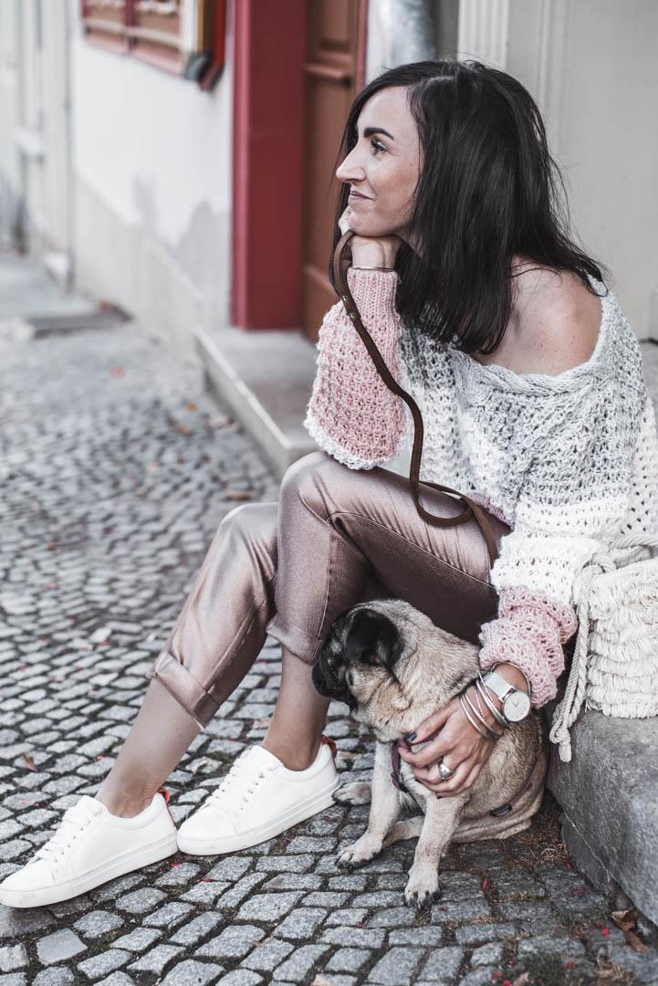 Schimmerndes Herbstoutfit und wie wir jetzt Strickpullover kombinieren Julies Dresscode Fashion & Lifestyle Blog