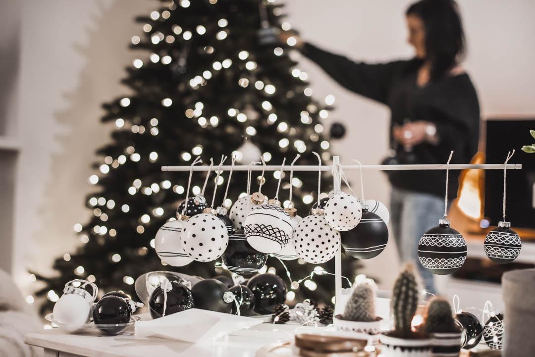 Ein künstlicher Weihnachtsbaum zieht ein - Aufbau, Vorteile und Schmuck unseres Baums Julies Dresscode Fashion & Lifestyle Blog