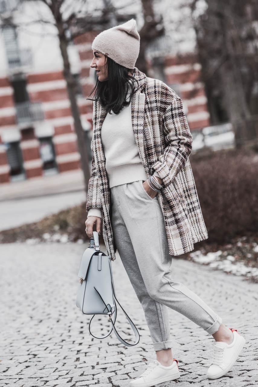 Von Winter zu Frühling – Outfitidee für die Übergangszeit Julies Dresscode Fashion und Lifestyle blog