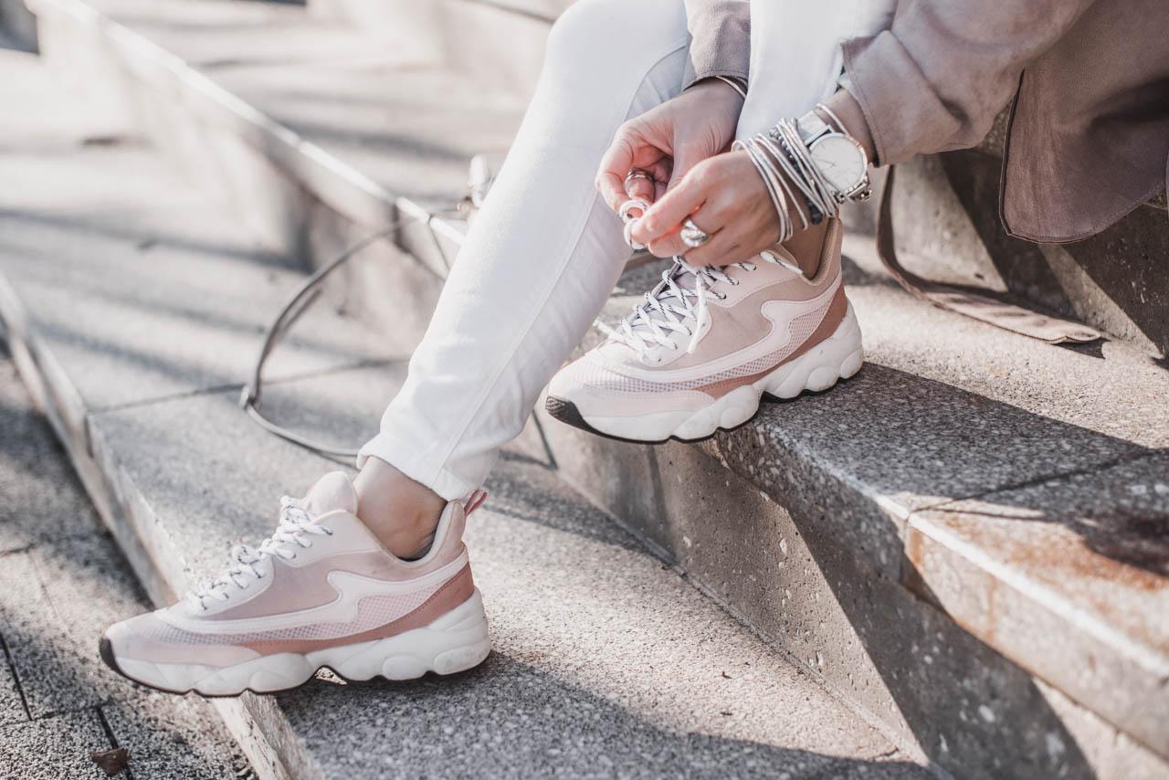 Das sind die top Sneaker Trends 2019 Julies Dresscode