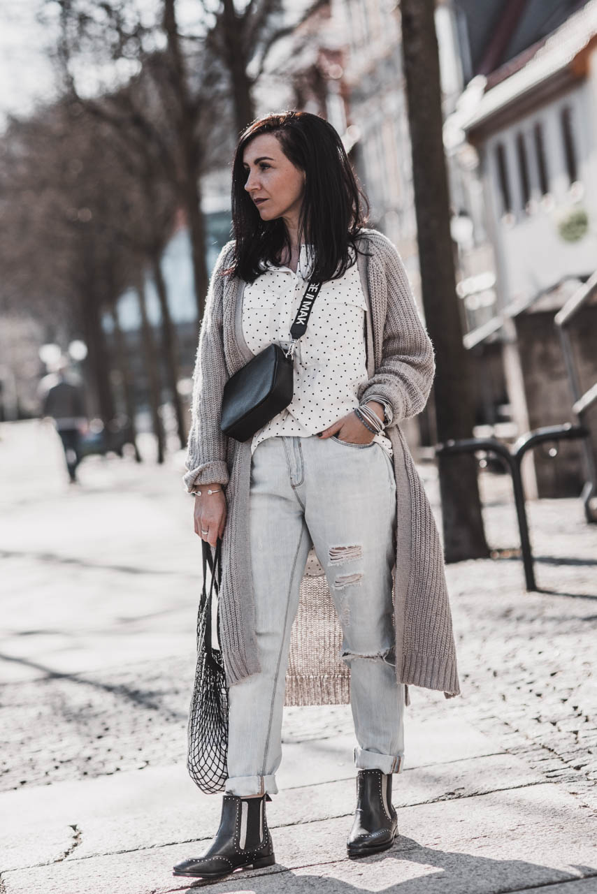 Der Schuhklassiker Chelsea Boots im Frühling Julies Dresscode Fashion & Lifestyle Blog