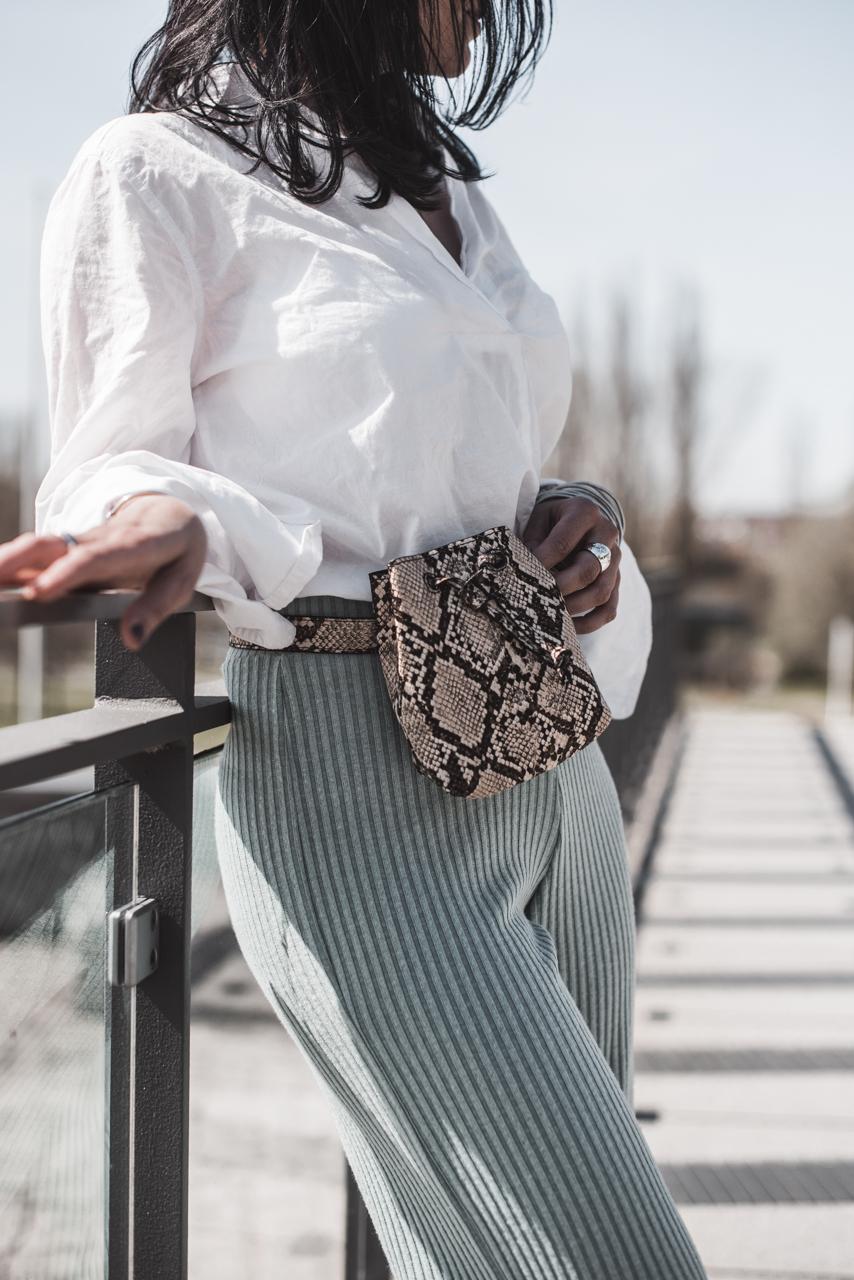 Strickhosen kombinieren - so tragen wir den Trend Julies Dresscode Fashion & Lifestyle Blog