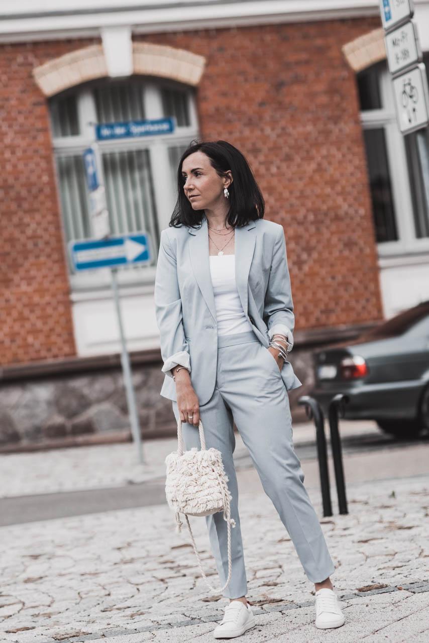 Lässig, elegant, souverän : das sind Hosenanzüge für Frauen Julies Dresscode Fashion & Lifestyle Blog