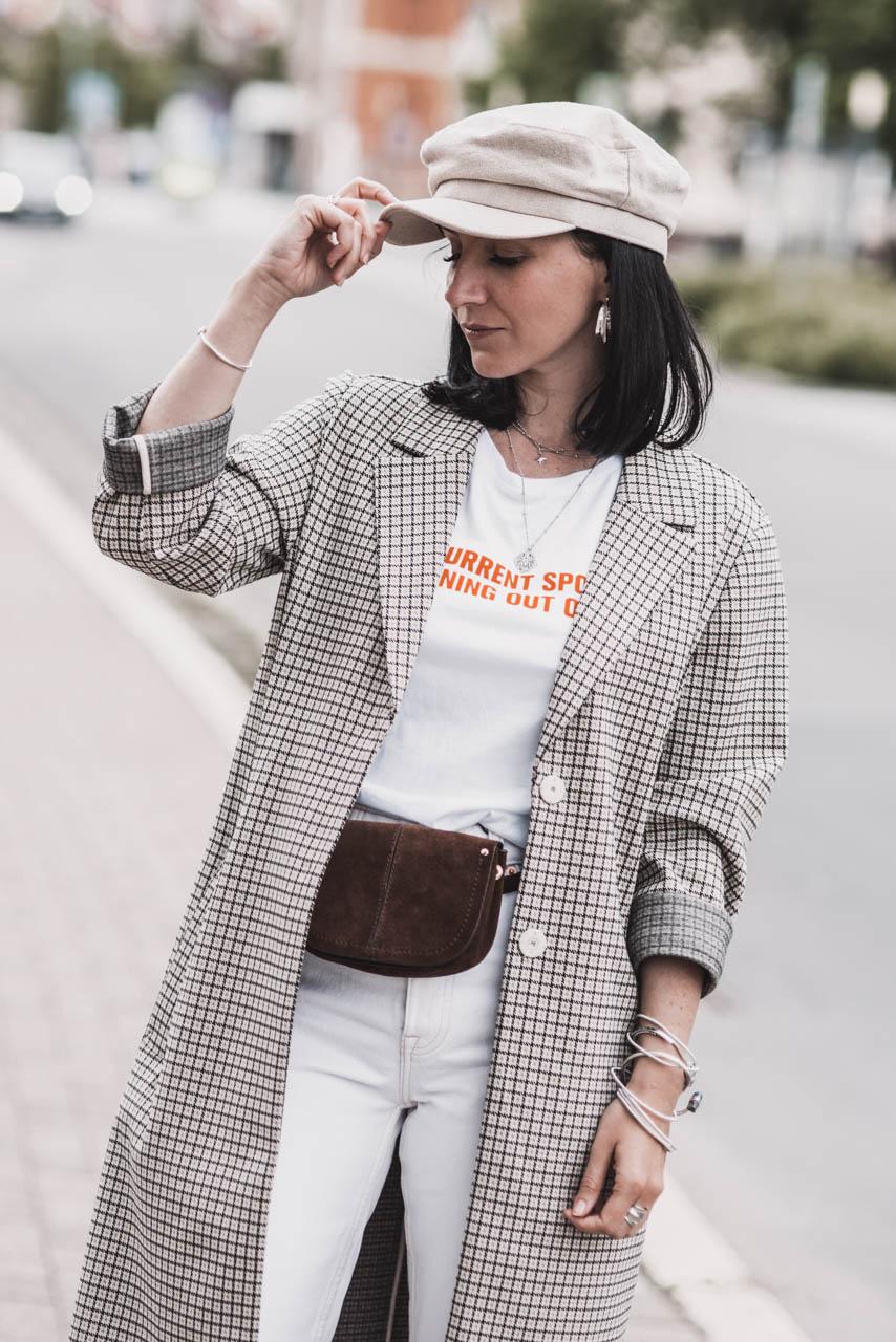 Style-Tipps Frühling 2019 : Weiße Culotte und Karomantel Julies Dresscode Fashion & Lifestyle Blog