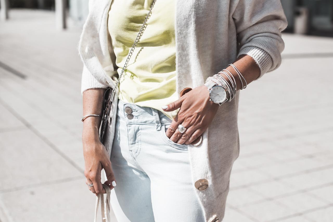 So stylen wir Neonfarben im Alltag Julies Dresscode Fashion & Lifestyle Blog