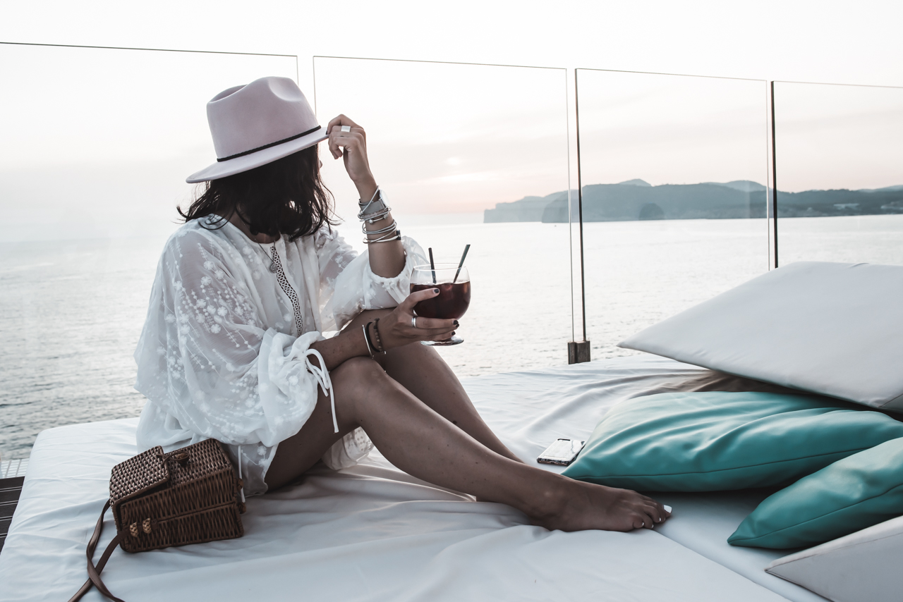 Mallorca Sunset in der Blue Bar des Sentido Punta del Mar Julies Dresscode Fashion & Lifestyle Blog