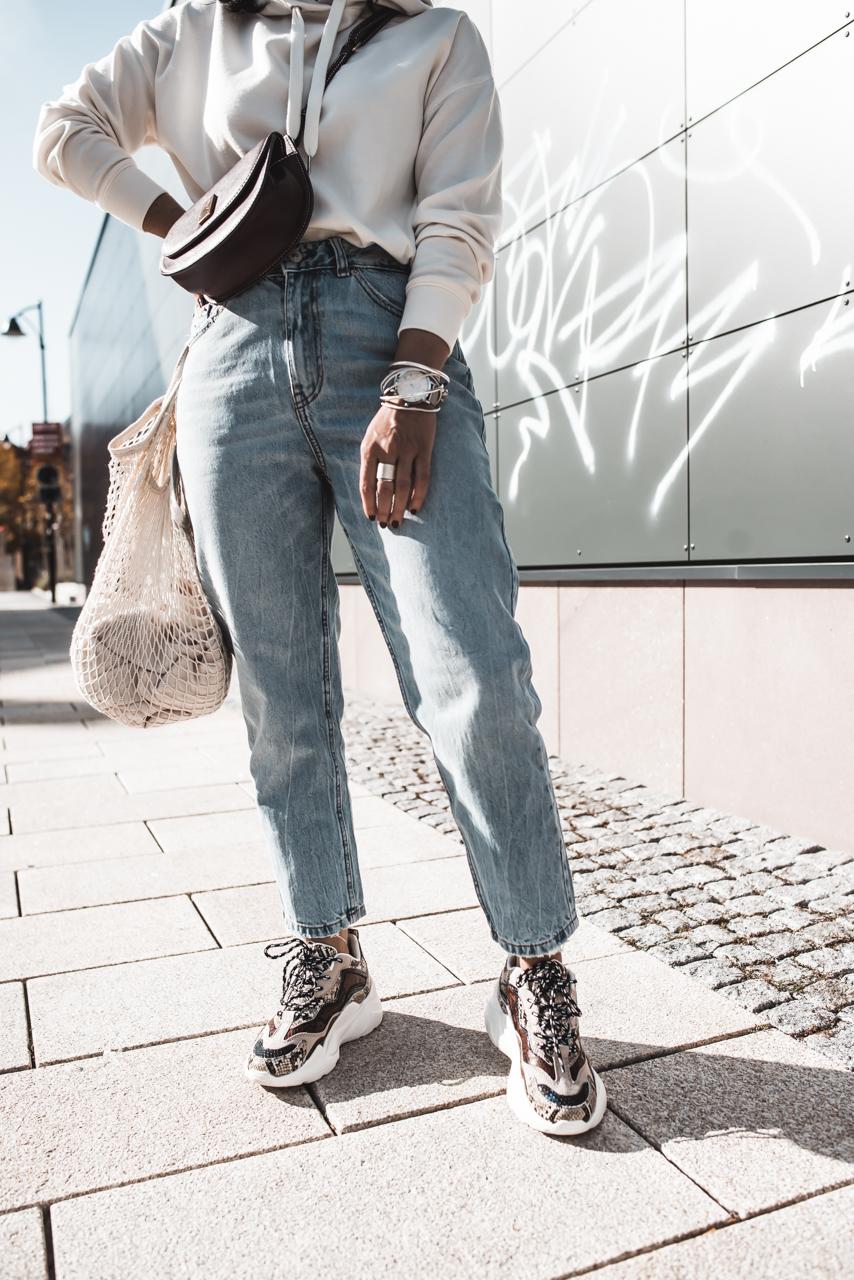 Herbst Favoriten : Chunky Sneaker mit Animal Print & Mom Jeans Julies Dresscode Fashion & Lifestyle Blog