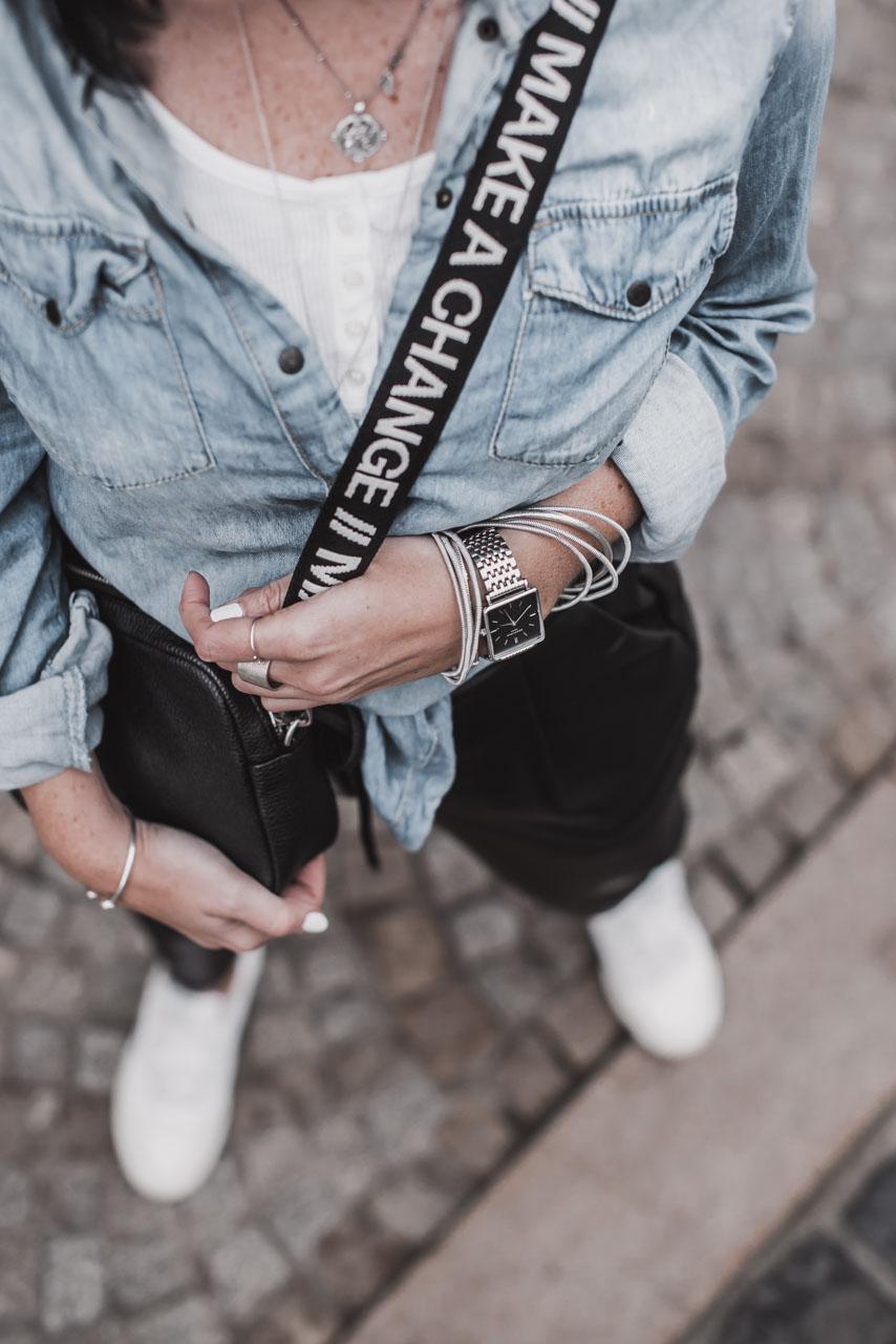 So gut lassen sich Denim und Leder kombinieren Julies Dresscode Fashion & Lifestyle Blog