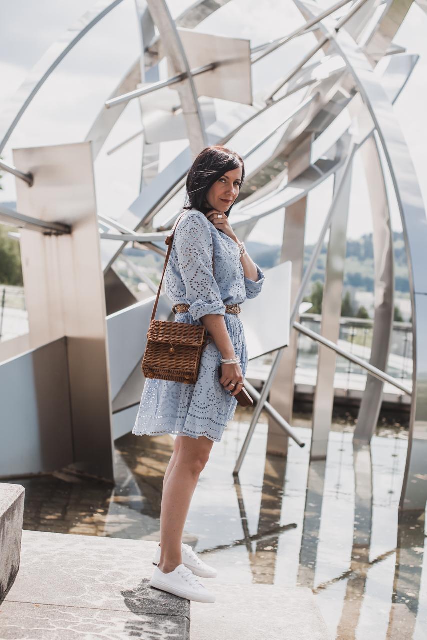 Trend Watch: Broderie Anglaise alltagstauglich tragen Julies Dresscode Fashion & Lifestyle Blog