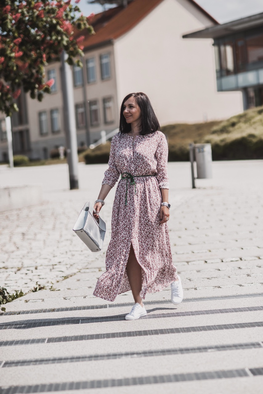 maxikleider trends: diese teile tragen wir im sommer