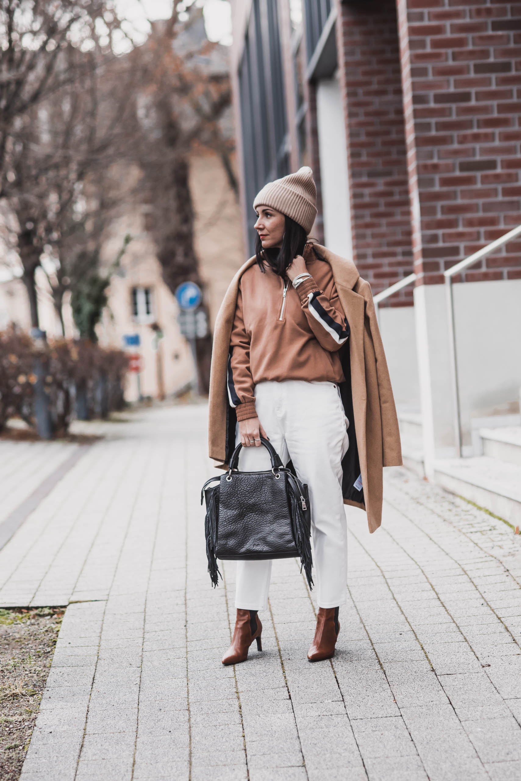 Winter Looks kombinieren : Camel, Weiß & Schwarz Julies Dresscode Fashion & Lifestyle Blog