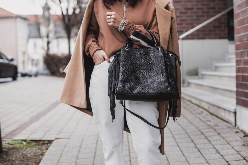 Winter Looks kombinieren : Camel, Weiß & Schwarz